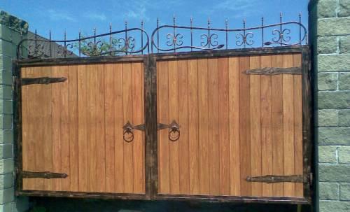 Ворота из листаенницы химки откатные ворота